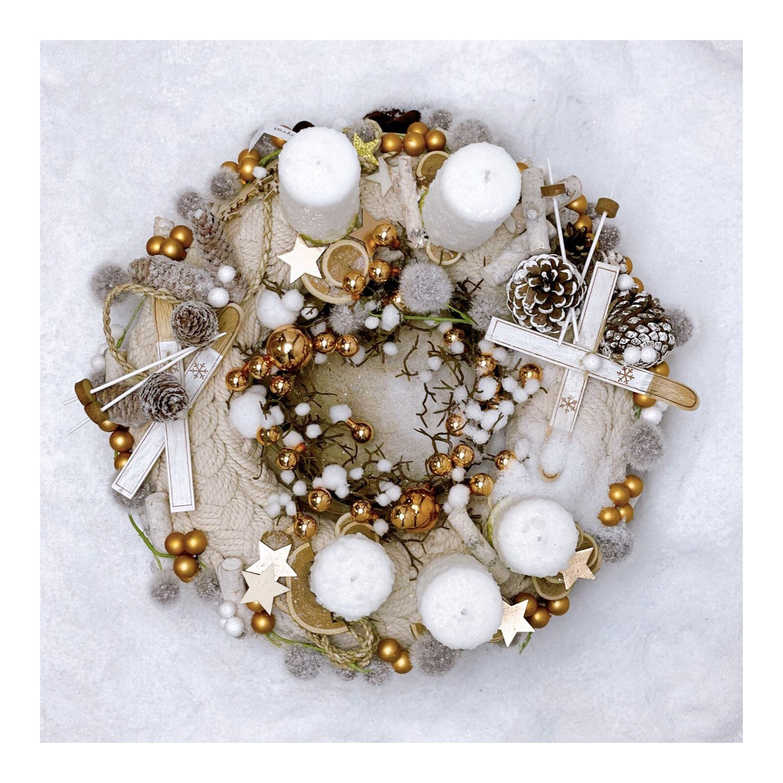 "Christmas wreath ""Glittering gold"""